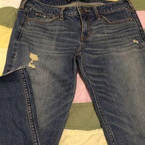 NWOT Hollister distressed crop jeans